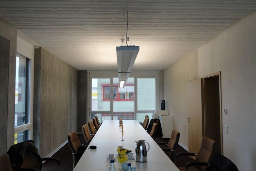 Decoración de oficinas con hormigón (concreto) arquitectónico