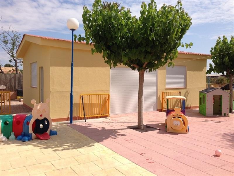 Soluciones Compoplak: Construcción express de guardería infantil
