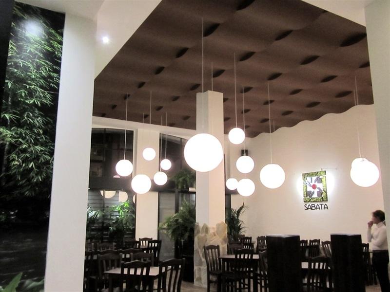 Soluciones Compoplak: Reforma Exprés de Restaurante en 14 días
